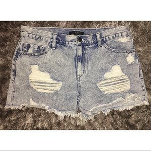 ✂️F21•••RIPPED Denim SHORTS ✂️